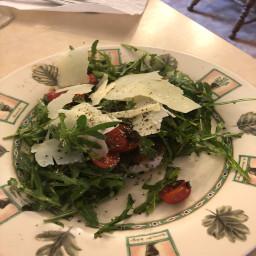 lemony-chicken-milanese-with-arugula-salad-02408dacbc0e500eb594f272.jpg