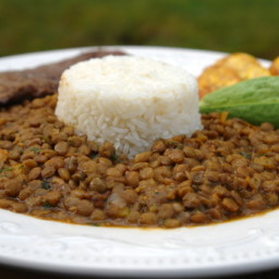 Lentil stew with rice - Arroz con menestra de lentejas