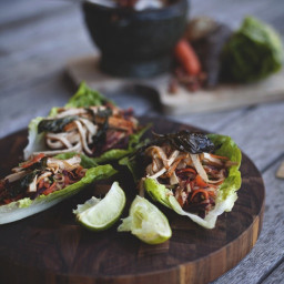Lettuce Wraps with Ginger, Carrot & Shredded Tofu