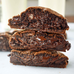 Levain Bakery Dark Chocolate Chocolate Chip Copycat Cookies