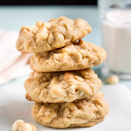 Levain Bakery {inspired} White Chocolate Chip and Macadamia Nut Cookies