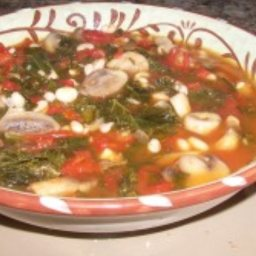 light-and-easy-minestrone-soup-2.jpg