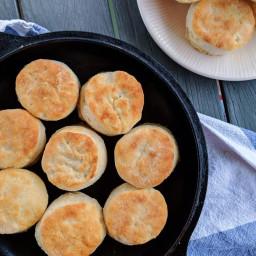 light-biscuits-2554612.jpg