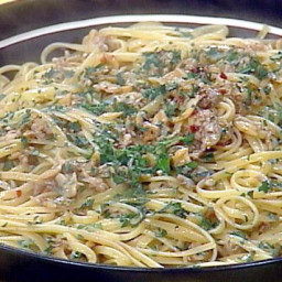 linguini-with-clam-sauce-2102339.jpg