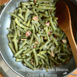 Long-Cooked Green Beans with Onions and Bacon