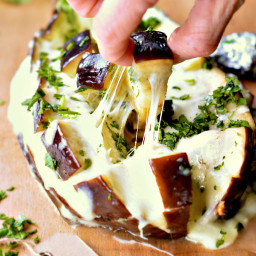 Low Carb Cheesy Pull-Apart Garlic Bread