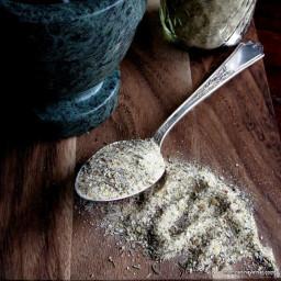 Low Carb, Gluten-Free Garlic and Herbs Seasoning Blend