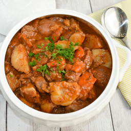 low-fodmap-slow-cooker-beef-and-potato-stew-gluten-free-2751021.jpg
