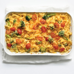 Mac and Cheese with Broccoli and Tomatoes