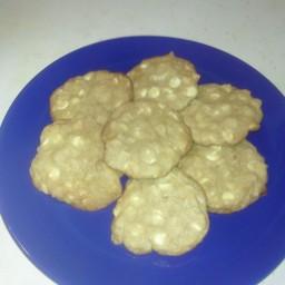 macadamia-nut-white-chocolate-cooki-4.jpg
