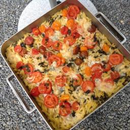Macaroni casserole with mozzarella and anchovy