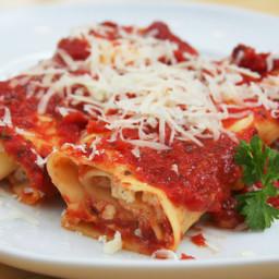 Mama Vic's Vegetarian Manicotti