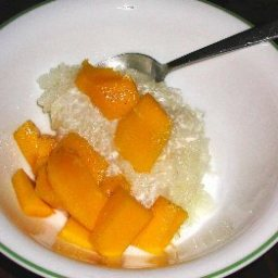 mangoes-with-sticky-coconut-rice-2.jpg