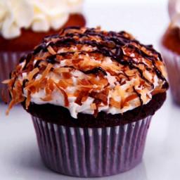 Mayan Macaroon Cupcakes
