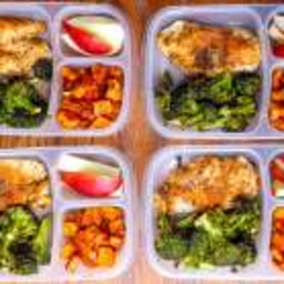 Meal Prep Lunch Bowls with Spicy Chicken, Roasted Lemon Broccoli, and Caram