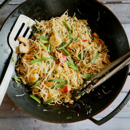 MEE SIAM/ SINGAPOREAN STIR-FRIED RICE NOODLES (4 servings)