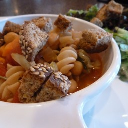 Minestrone Soup w/Baked Croutons