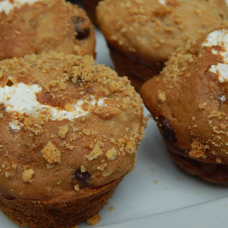 Mini banana s'mores muffins