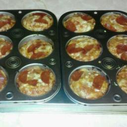 mini-deep-dish-pizzas-4.jpg
