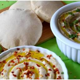 Mini Pita Bread with Hummus and Baba Ganoush dip