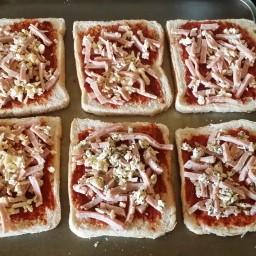 Mini Pizza Triangles