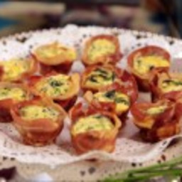 Mini Spinach Quiches in Crispy Prosciutto Cups