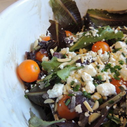 mixed-greens-salad-with-tomatoes-fe.jpg