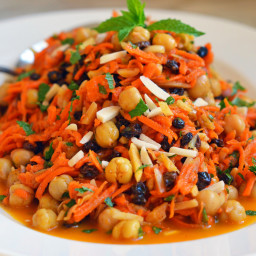 Moroccan Carrot & Chickpea Salad