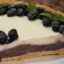 Mulberry and mascarpone cheescake