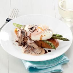 Mushroom and Asparagus Eggs Benedict Recipe