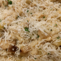 Mushroom Risotto with Garlic, Thyme and Parsley, Jamie Oliver pg 175
