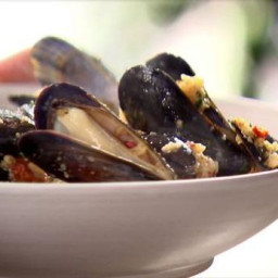Mussels and Basil Bread Crumbs