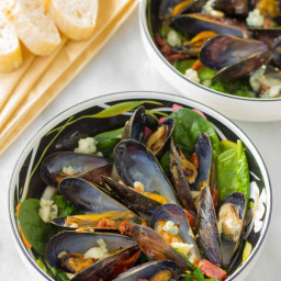 Mussels Recipe with Blue Cheese