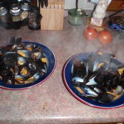 mussels-steamed-in-spiced-beer.jpg