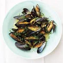 Mussels with Leeks and White Wine