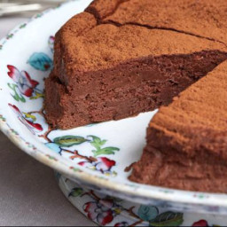 naturally sweetened flourless chocolate cake