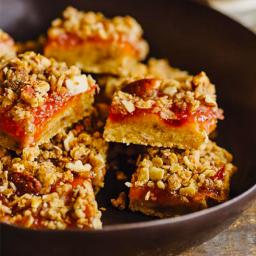 nectarine-jammy-crumb-squares-2521247.png