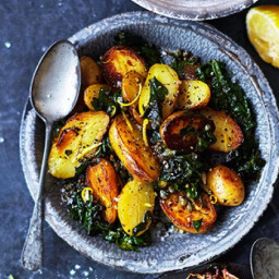 New potatoes with spinach and capers