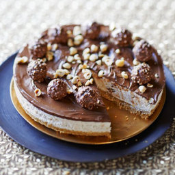 No-bake chocolate hazelnut cheesecake