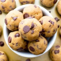 No Bake Pumpkin Chocolate Chip Cookie Dough Bites (Paleo, Vegan, Gluten Fre