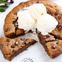 Nutella Stuffed Deep Dish Gingerbread Cookie with Browned Butter and Chocol