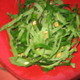 nutty-kale-salad-2157520.jpg