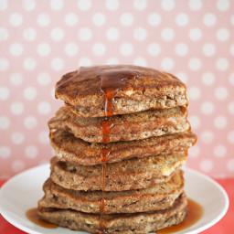 oatmeal-raisin-cookie-pancakes-1801496.jpg