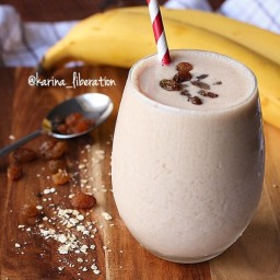 Oatmeal Raisin Cookie Smoothie