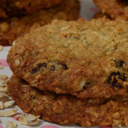 oatmeal-raisin-cookies-recipe--c321f5-2b84d3b1305607ec7bda61b6.jpg