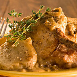 old-fashioned-smothered-pork-chops-.jpg