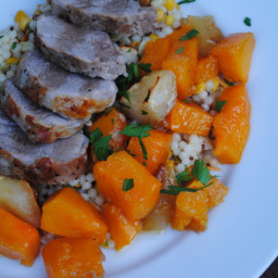 One dish pork roast with butternut squash and apples
