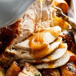 One Pan Turkey & Potatoes With Gravy