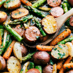 One Pan Roasted Garlic Potatoes, Asparagus, and Sausage