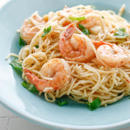 One Pan Spicy Garlic Shrimp and Pasta